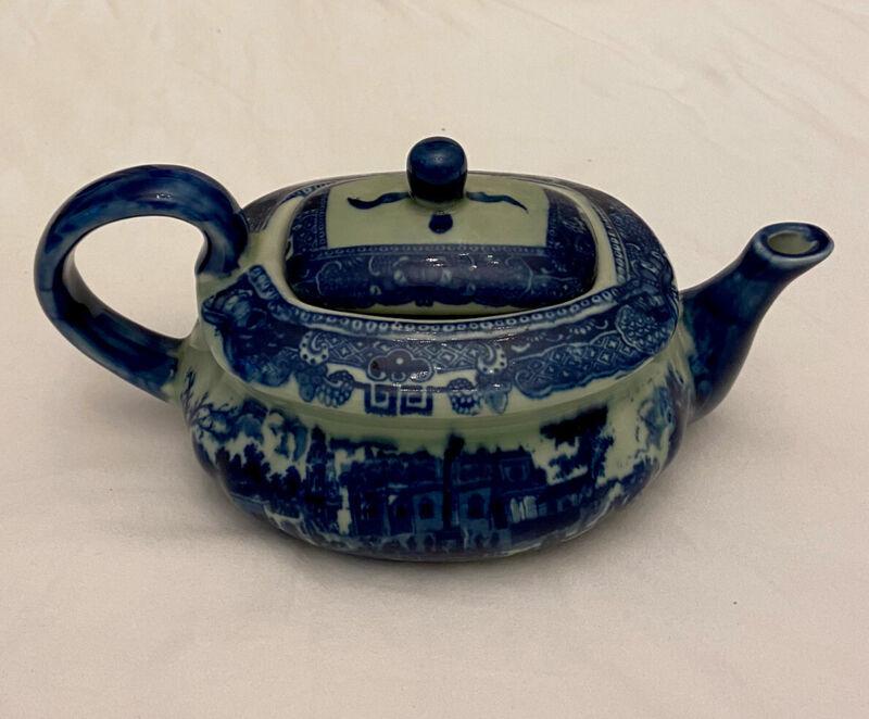 """VINTAGE Large Victoria Ware Ironstone Flow Blue & White Teapot 10""""x6""""x5"""" Mint"""