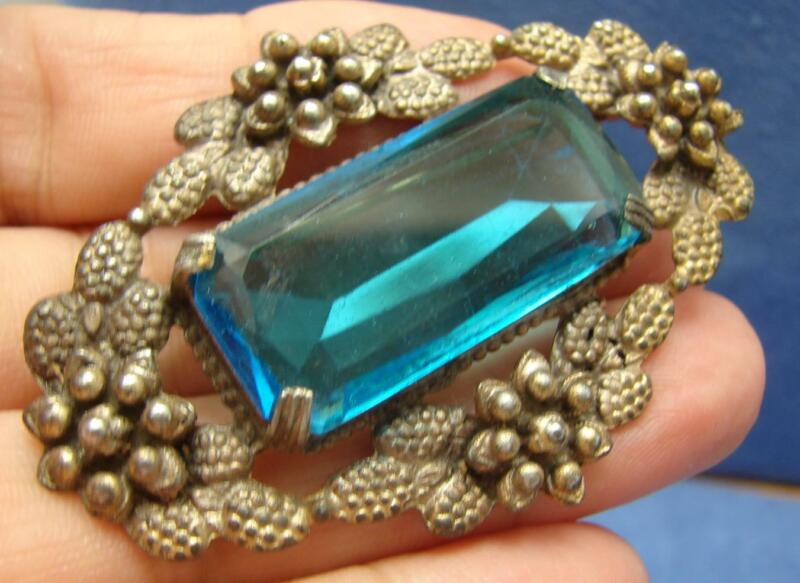 Vintage Ornate Floral Bezel Set Faceted Beautiful Blue Glass Sash Brooch