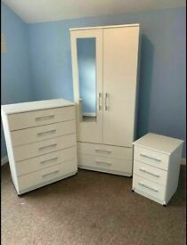 🌞🔥BRAND NEW WARDROBE, CHEST OFDRAWERS, BED SIDE TABLES and ALL NEW READY ASSEMBLED