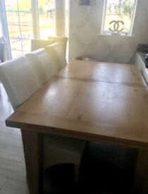 Solid oak dinning table no chairs