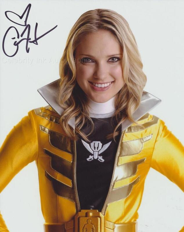CIARA HANNA as Gia the Yellow Megaforce Ranger GENUINE AUTOGRAPH UACC (R15026)