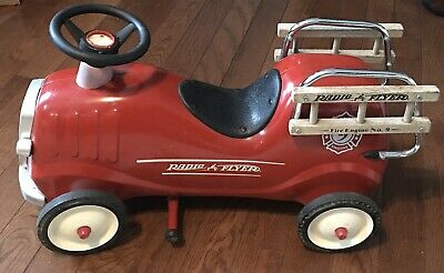 Radio Flyer Metal Red Ride-On Fire Engine No 9 Model (Radio Flyer Fire Engine No 9 Model 909)