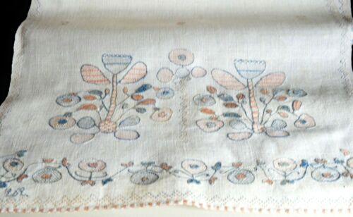 Unusual Vintage Antique Craftsman Hand Embroidery on Homespun Linen Runner VV564