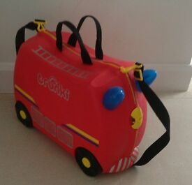 Fire Engine Kids Trunki in excellent condition