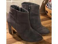 Dune Head Over Heels Boots Size 6