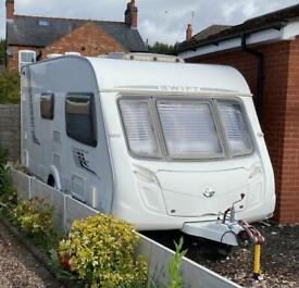Swift Challenger 480 2 berth caravan with end washroom
