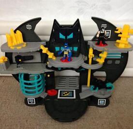 Batman bat cave £10