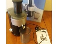 Cookworks-Fruit-Juicer