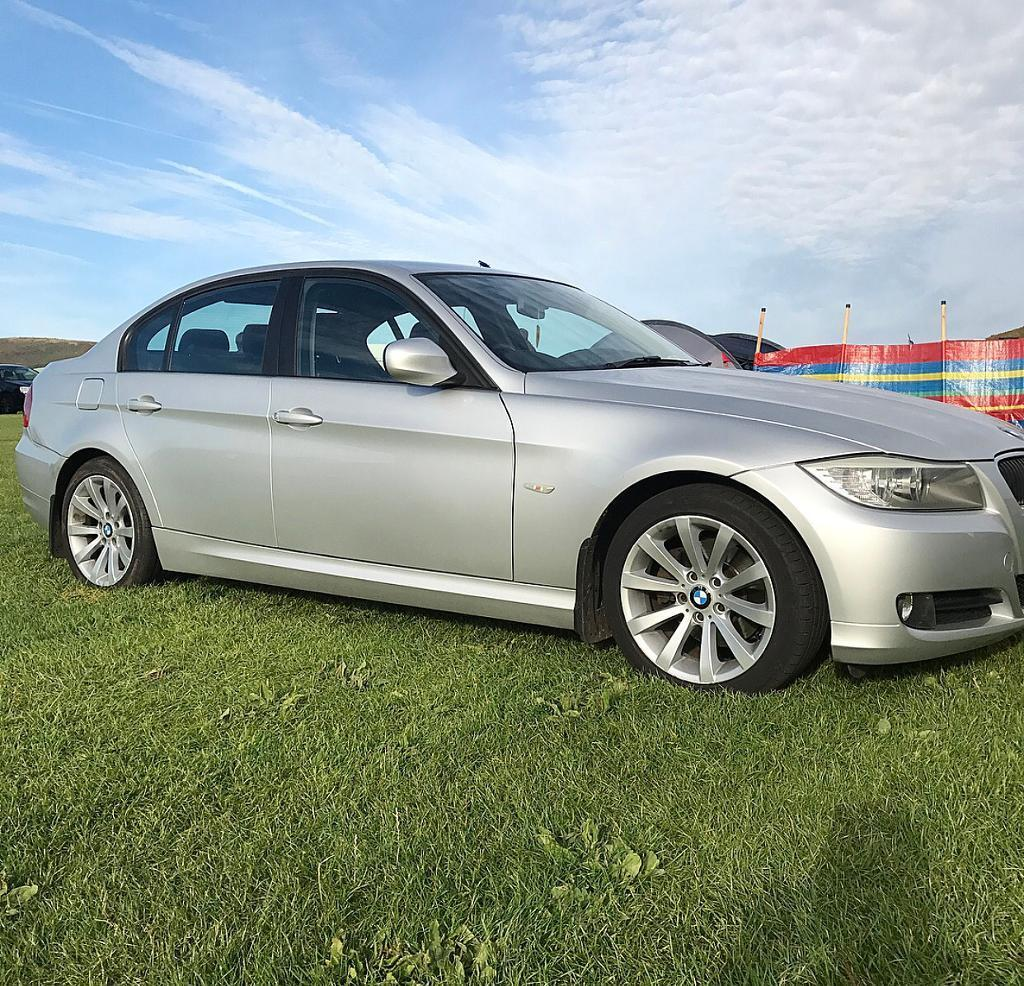 BMW 3 series **OPEN TO SENSIBLE OFFERS!**