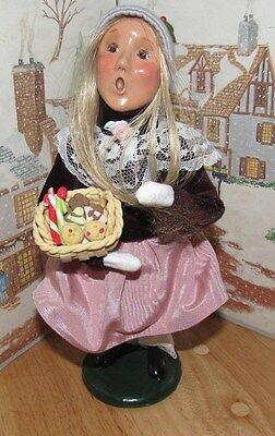 BYERS CHOICE CAROLER Victorian Girl with Baked Goods 1997   *