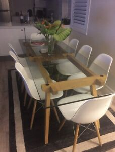 Dining table and chairs Sticotti
