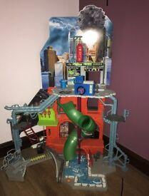 Teennage Mutant Ninja Turtles City Sewer Lair Playset
