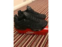 Tripple black tn trainers. Nike