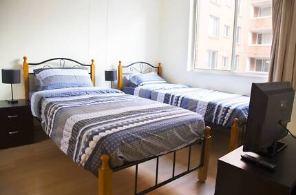 WONDERFUL MASTER TWIN SHARED ROOM TO SHARE WITH ONE MALE ONLY