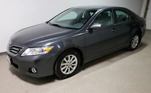 2011 Toyota Camry XLE | Winter tires | Local | HTD Leather |Clea
