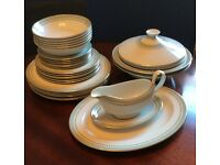"Royal Doulton ""Berkshire"" Dinner Service, 31 pieces"