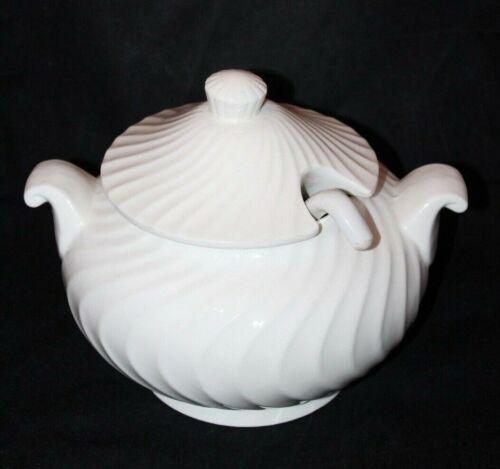 Action Japan Ivory Ceramic Soup Tureen Casserole Dish Bowl w/ Handles & Ladle
