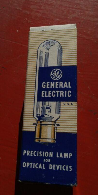 Vintage GE Projector Lamp Bulb CWD 300W 115-120V - NOS