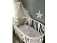 Stokke Sleepi cot with BRAND NEW mattress mini conversion kit & accessories