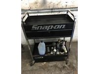 Blue point snap on tool trolly with draw