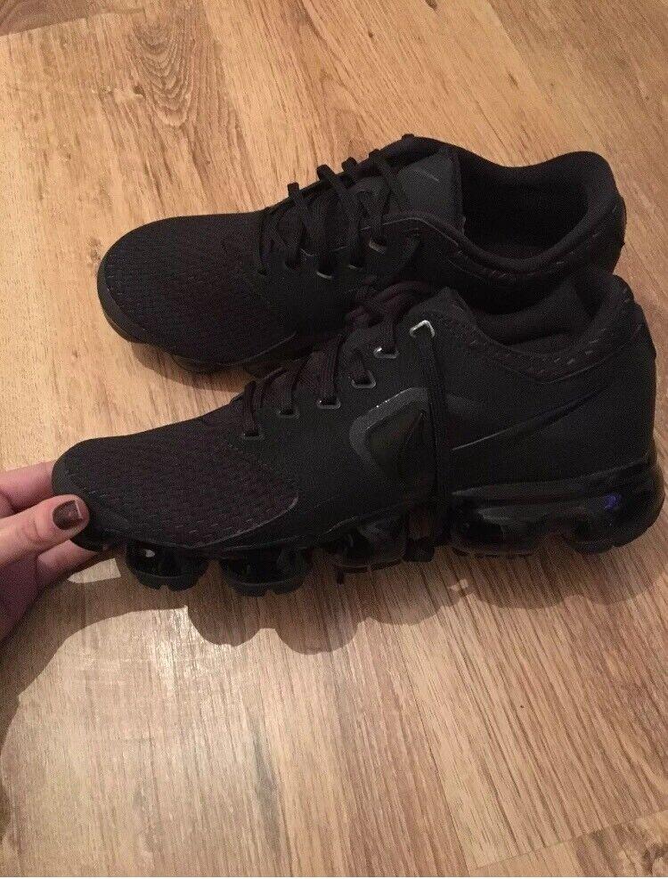 b8ed0497e882f New Nike Vapormax Flyknit Men s Women s Trainers Triple Black  Red Sizes 6- 11