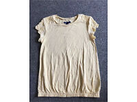 Girls Yellow Gap T.Shirt age 10 years (large)