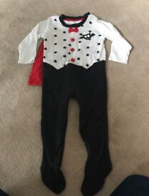 Baby Halloween costume - size 9-12 months