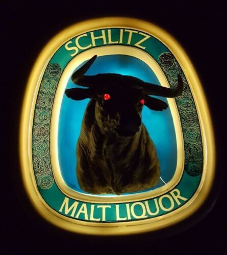 Vintage 1976 Schlitz Malt Liquor 3-D Light up Bull Advertising beer Bar Sign