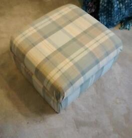 Storage foot stool