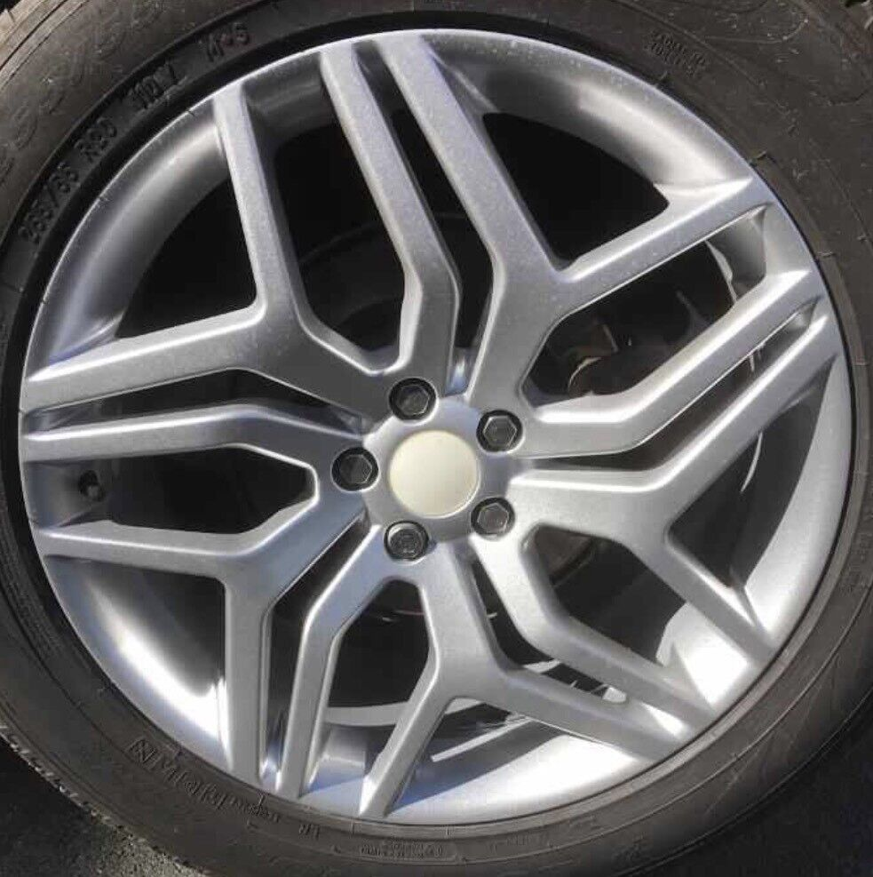 ALLOYS AND TYRES FOR A 2017 EVOQUE SE