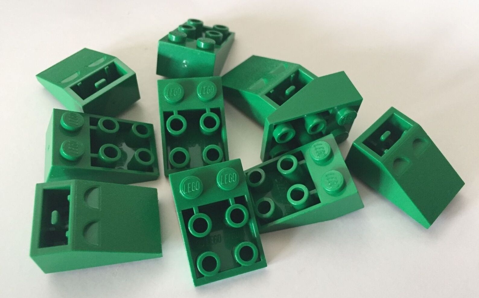 Lego 100 New Dark Green Slopes Inverted 33 3 x 1 Sloped Pieces