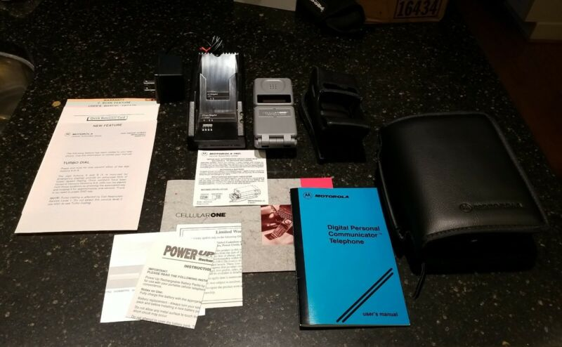 1992 Motorola Digital Personal Communicator Telephone w Case, Charger and more