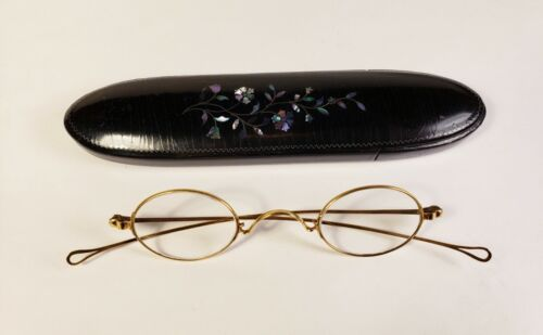 Hallmarked solid 14K gold spectacles. Marked and tested. Antique +1.00 readers.