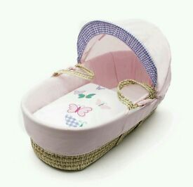 Kinder valley Busy butterflies moses basket Plam. Brand new in sealed packs. 5 left in stock.