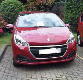 Peugeot 208 Active Puretech Hatchback VERY LOW MILEAGE