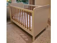Mamas and Papas Rialto cot and toddler bed