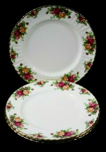 4 Royal ALBERT Made in ENGLAND Bone China OLD COUNTRY ROSES DINNER PLATES