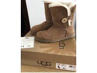 UGG Australia boots: Authentic Bailey Button, VGC