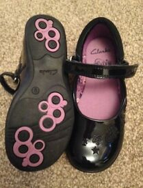Clark's girls shoes size 9F