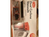 Dual Cyclone Vacuum by Quest