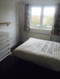Double room available for short let
