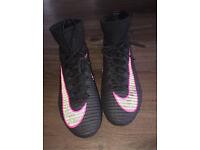 Nike mercurial superflys UK 6.5 black and pink
