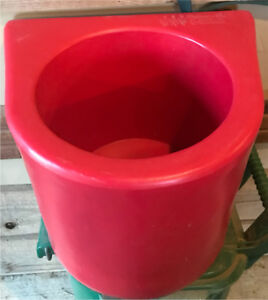 Insulated Bucket Holder ~ horse stall~  NEW