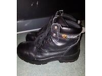 Size 5 (38) Goliath steel toe cap boots