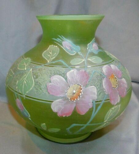 "STUNNING GREEN GLASS HANDPAINTED VASE ~ PINK/PURPLE FLOWER RAISED EFFECT~6"" TALL"