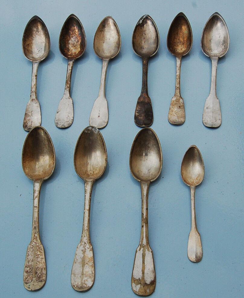 9 Cucchiai Per Zuppa E Una da Caffè Metallo Bianco Punzoni Iniziale Antica