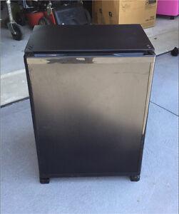 Bar fridge (mini) Gillieston Heights Maitland Area Preview