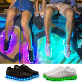 TRYPP MULTICOLOUR LED TRAINERS WHITE UK SIZE 3 SHOES WITH USB CHARGER CLEARANCE.