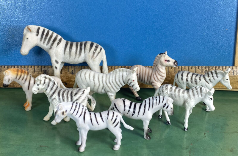 Vintage Plastic Animals Lot - A Herd of Zebras - 9 Striped Jungle Jailbirds 065