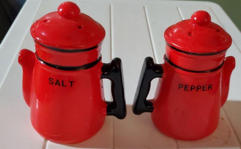 Vintage Red & Black Ceramic Teapot/Coffee Pot Salt & Pepper Shaker Made In Japan